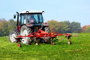 A nagy gazdaságok nélkülözhetetlen gépe a traktor